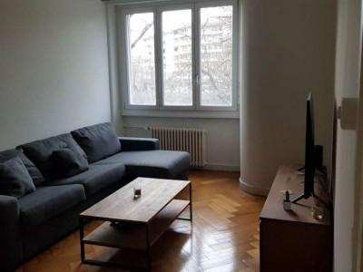 Bel appartement de 3 pièces situé à Carouge. image 1