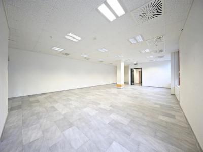 Belle surface commerciale  // Morges - centre commercial de la Gottaz image 1