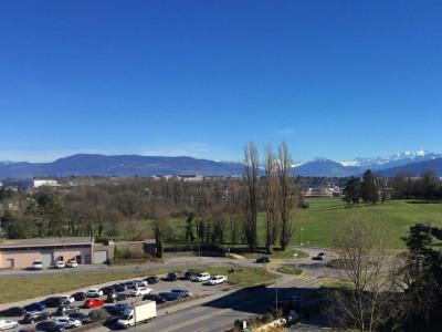 Appartement de 4,5 pièces avec balcon et vue sur les Alpes image 1
