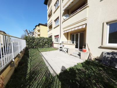 Magnifique rez-de-jardin 3,5p // 2 chambres + double séjour // Jardin image 1