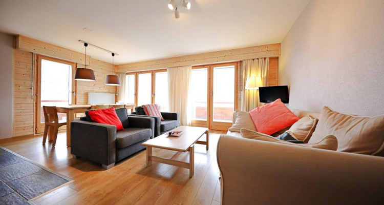 Magnifique appart 4,5 p / 3 chambres / 2 SDB / balcon avec vue image 2