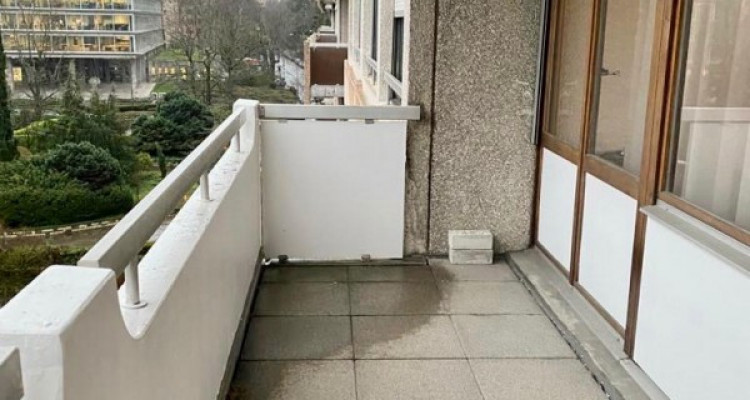 Appartement de 4 pièces avec balcon à Champel image 2