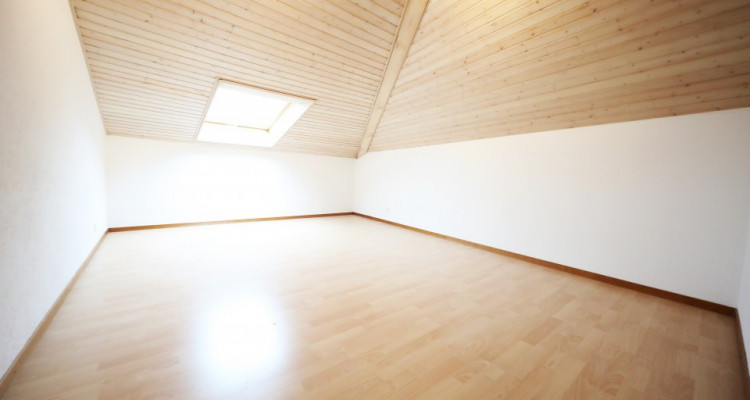 Magnifique duplex 4,5p // 3 chambres // 2 SDB // Romanel/Morges image 2