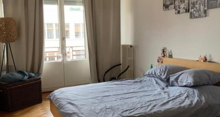 Bel appartement de 2.5 pièces situé à Champel. image 5