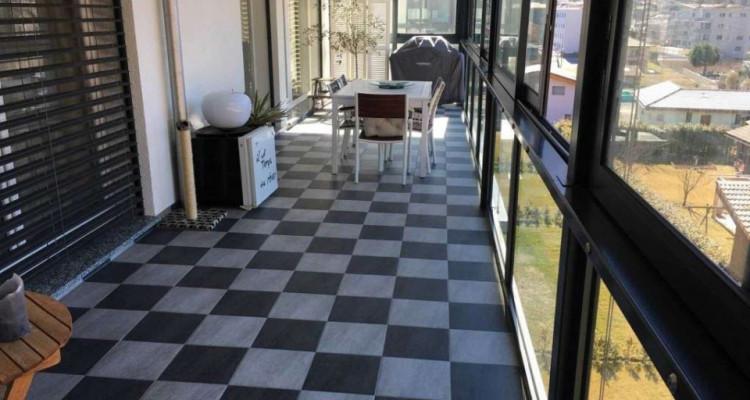 Magnifique attique 4.5 pièces / 3 chambres / Loggia / 2SDB image 2