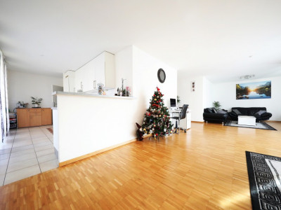 Magnifique 4,5p // 3 chambres // 2 SDB // Grand séjour - 3 balcons  image 1
