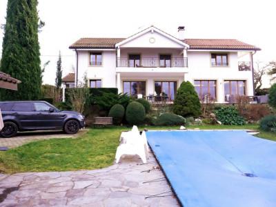 Magnifique villa 9p - 6 CHB / Jardin - Piscine, Vue lac imprenable  image 1